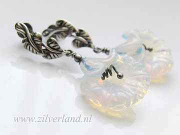 Handgemaakte Zilveren Oorstekers met Opaliet